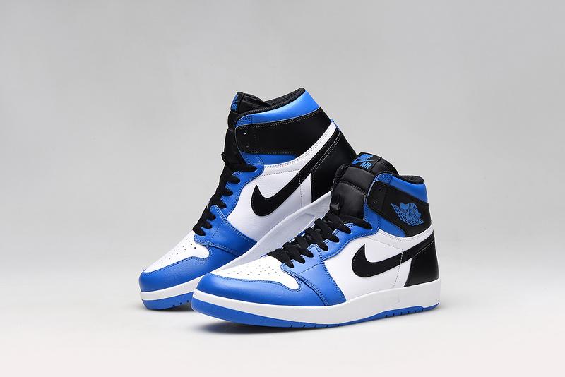 air jordan 1 mid bleu et noir